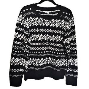 Classic Christmas Sweater Black and White Size XL